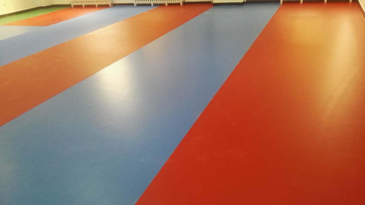热烈祝贺农科院健身房地板完美竣工!