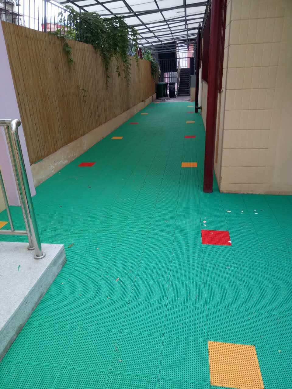 祝贺北京某幼儿园满天星悬浮拼装地板圆满完工!