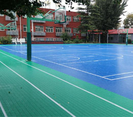 北京第三中学室外运动场地拼装地板圆满完工!