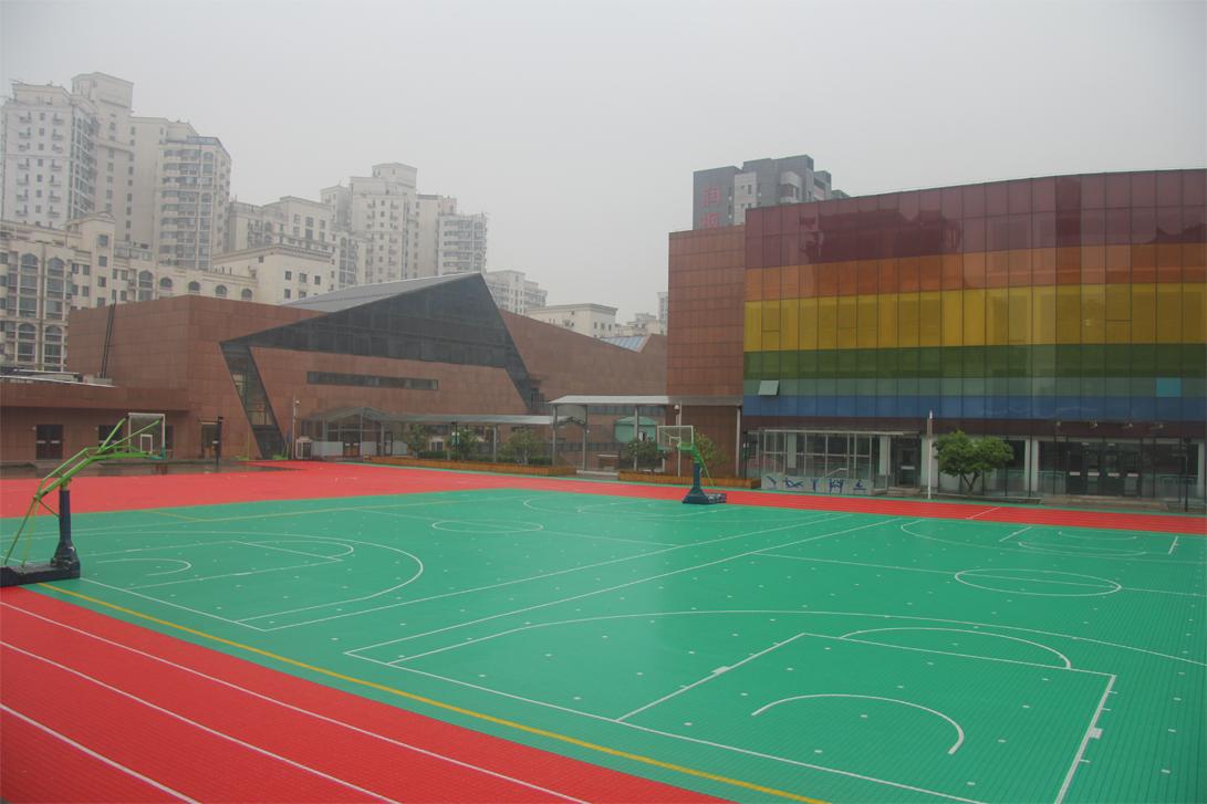 润丰学校室外悬浮拼装地板操场项目竣工!