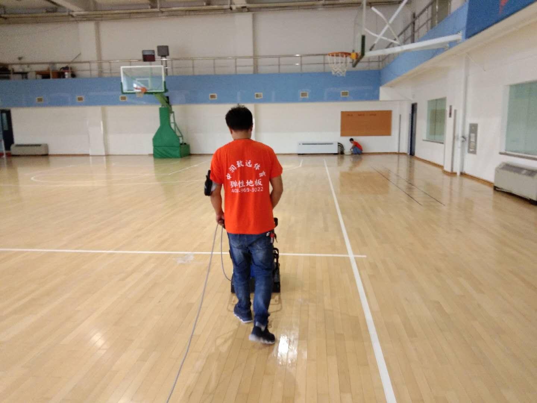 首钢篮球场主场馆运动木地板深度翻新方案