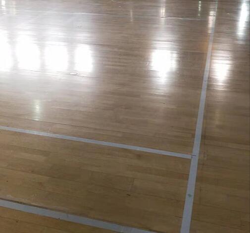 朝阳体育馆羽毛球场馆运动木地板翻新让你眼前一亮!