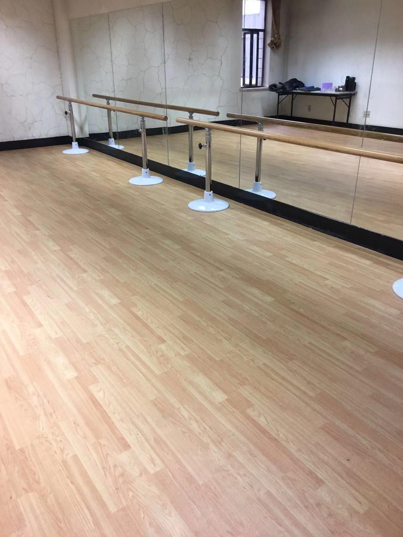 舞蹈地板用什么好,看看中国联通如何选。