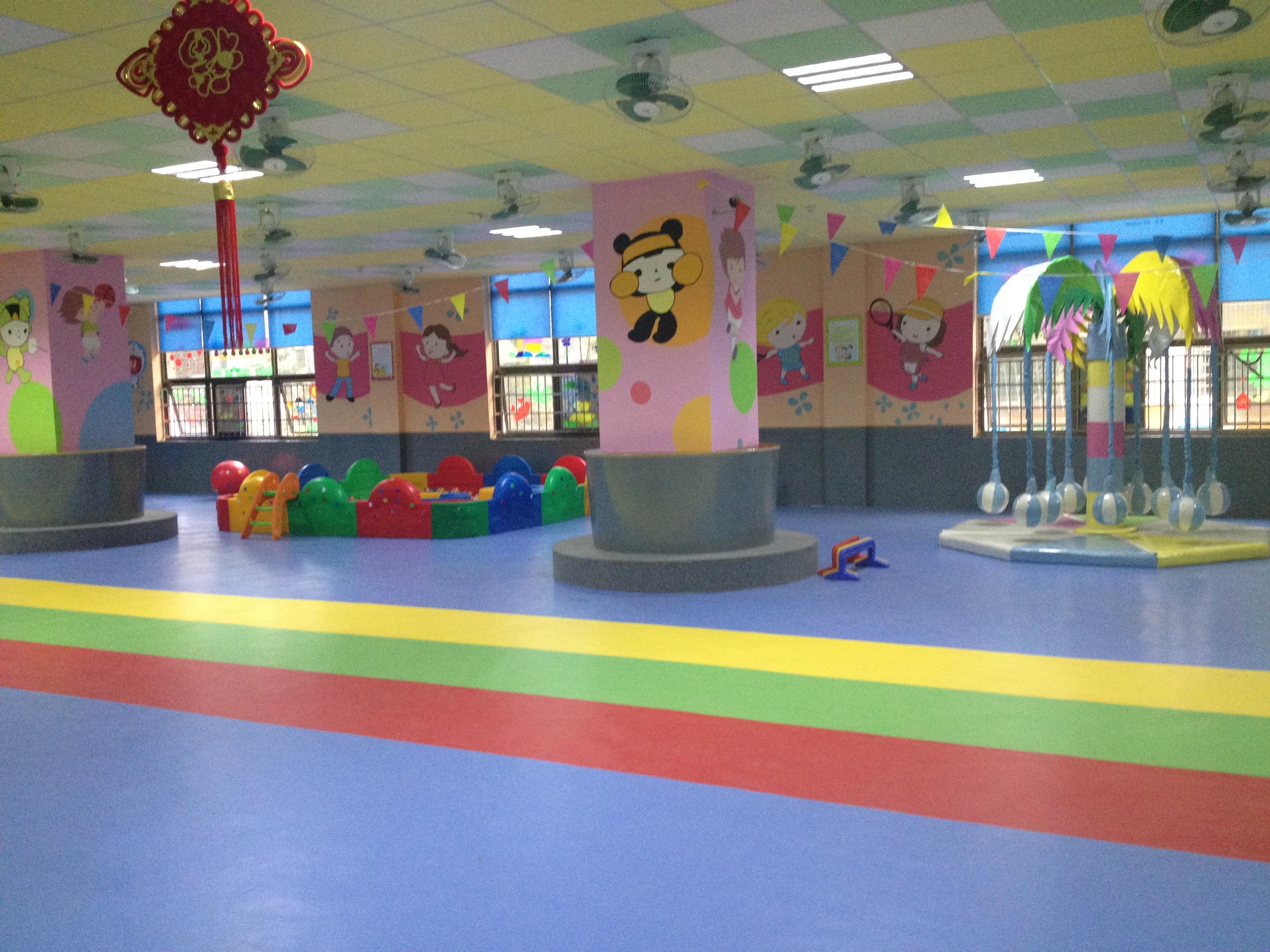 幼儿园平面纹塑胶地板/运动地胶