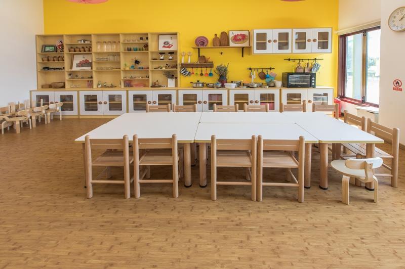 木纹龙复合卷材地板
