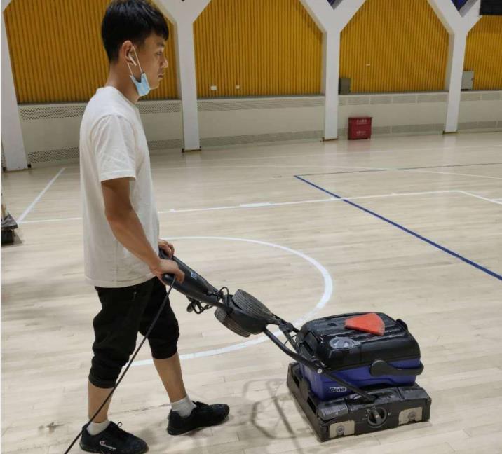 体育运动木地板深度清洁